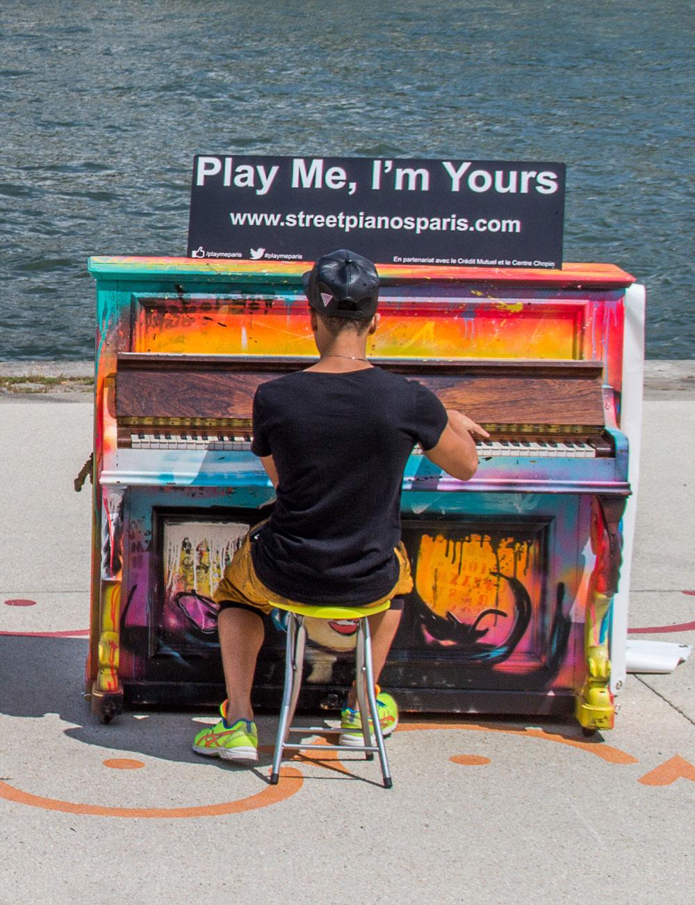 play me i'm yours piano ville rue urbain manifestation concerts artistes plasticiens musiciens agence community culture société territoire ingénierie culturelle